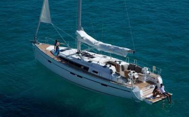 Bavaria Cruiser 46, 46E