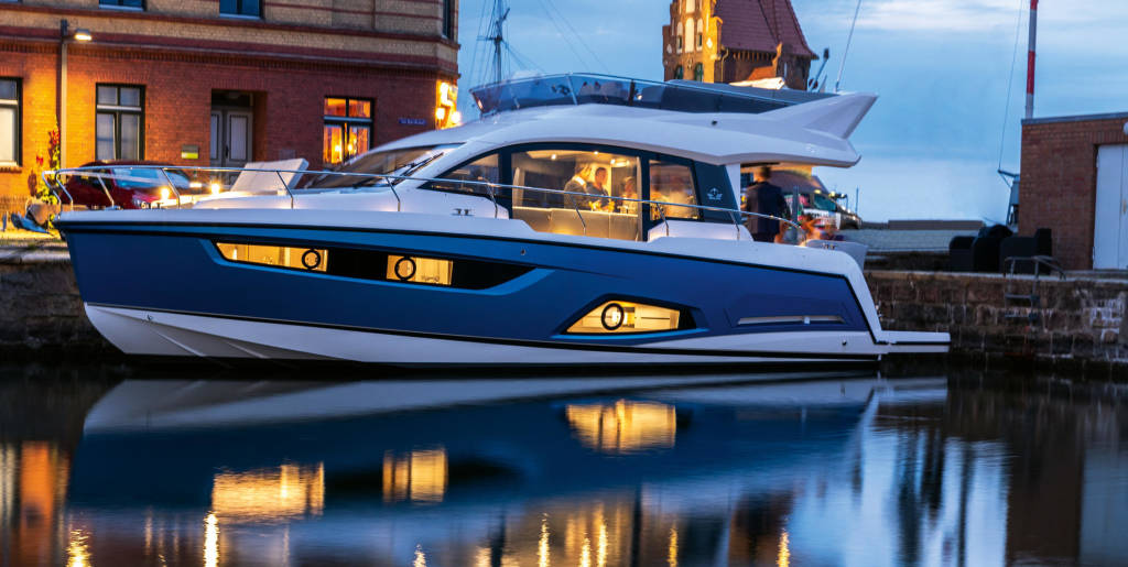 Sealine F430, Blue Lagoon